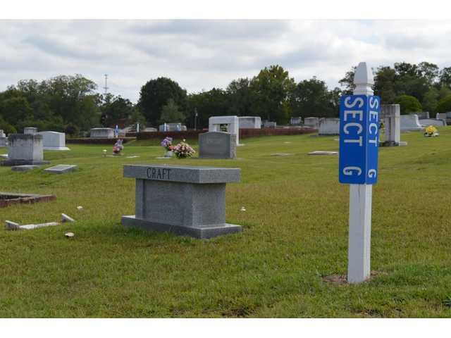 Winder woman objects to new Rose Hill Cemetery markers at city council meeting