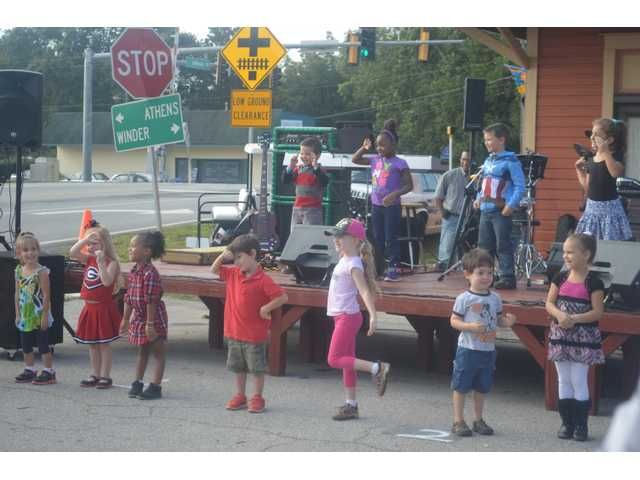 Statham holds annual sunflower festival in downtown