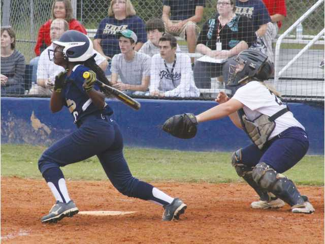 Late rally by Dacula upsets Cats at home