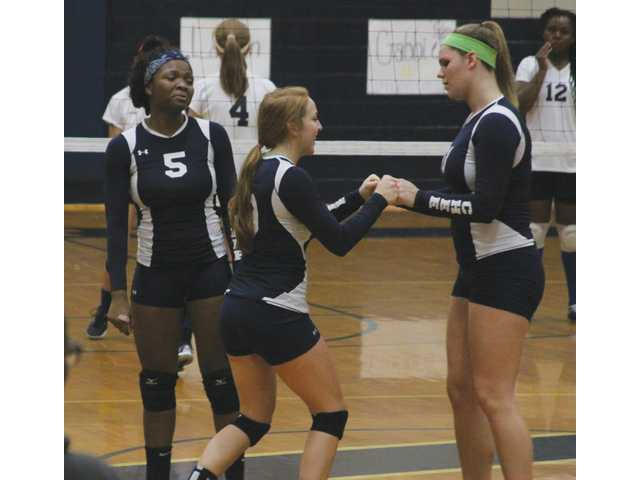 Volleycats favored for Area title