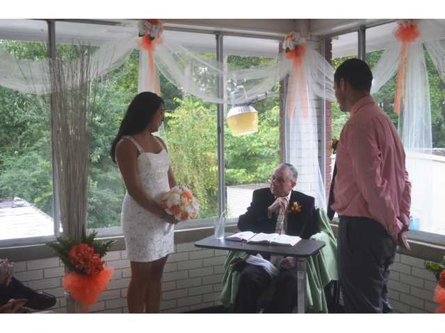 Winder Health Care resident officiates center's 1st ever wedding