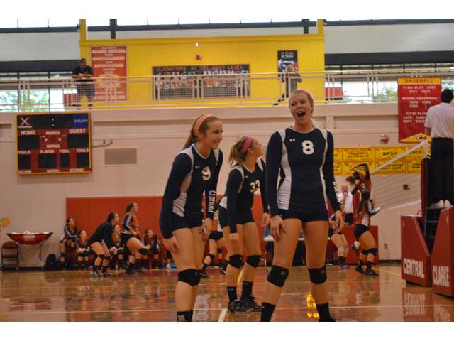 Volley Cats begin postseason run with win over Loganville