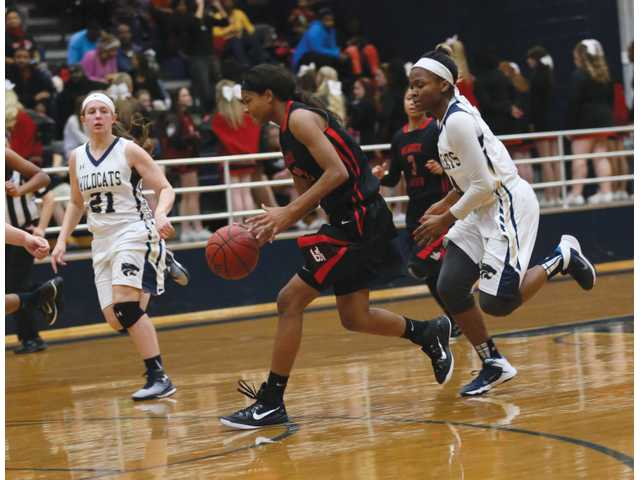 Lady Cats seek revenge for rivalry loss