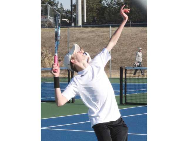 Chee tennis earns big region victories