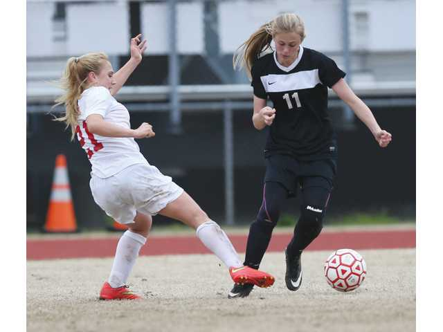 Loganville tops Lady Doggs