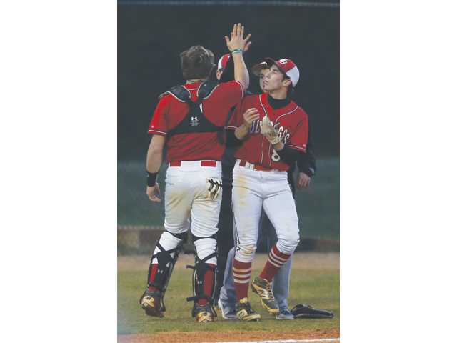 Diamond Doggs atop Region 8-AAAAA standings amid 8-game win streak