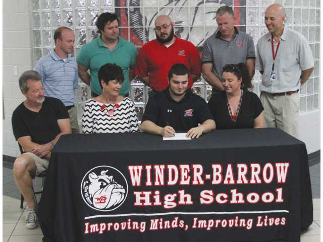 Winder wrestler too stubborn to give up