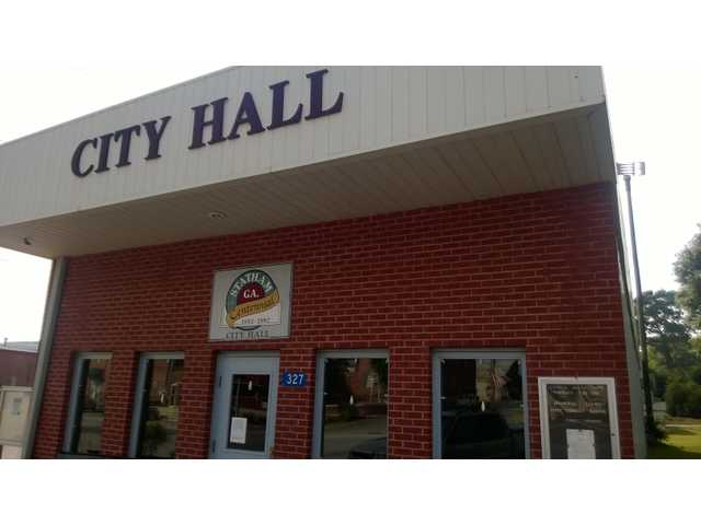 Statham mayor says he wants another city administrator