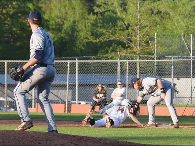 Harrison's Cats drop another late-inning region loss