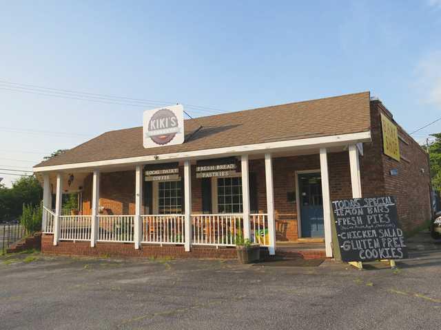 Barrow resident celebrates 1st year as owner of Watkinsville restaurant
