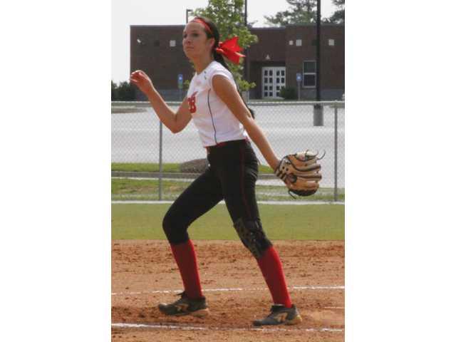 Lady Dogg softball preps for summer season