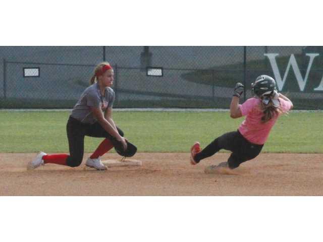 Softball teams prep with summer play
