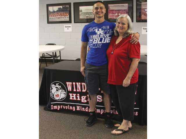 Former Winder-Barrow cheerleader sees a dream come true