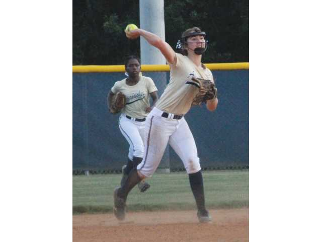 Lady Wildcats get early lead, but can't hang on