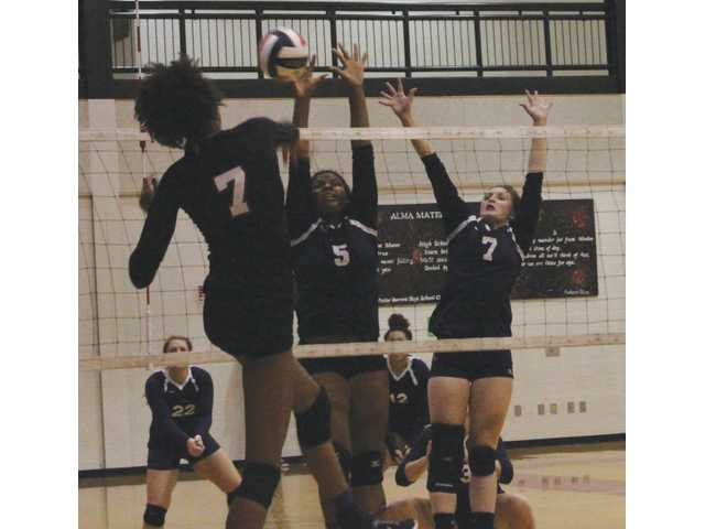 VolleyCats edge Winder-Barrow for Area, County supremacy
