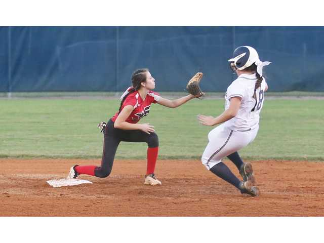 Despite early lead, Lady Doggs fall to Heritage in region semifinals
