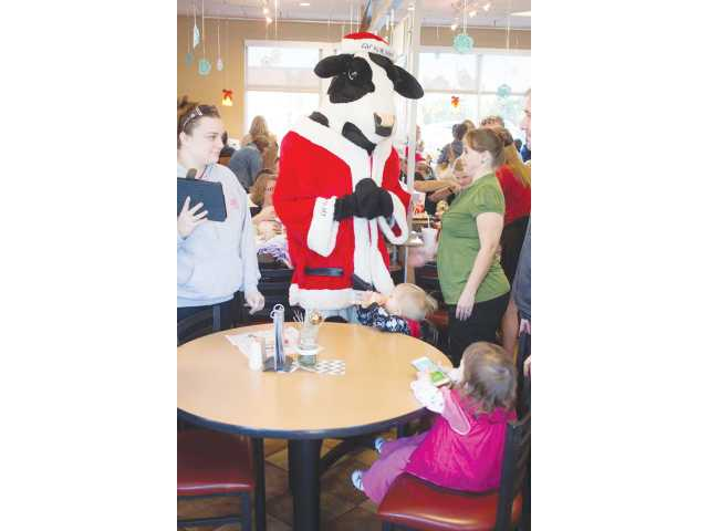 Atlanta radio station helps grant wishes to Barrow residents
