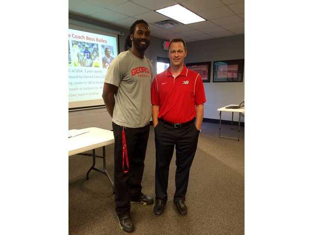 Winder-Barrow adds UGA legend to football coaching staff