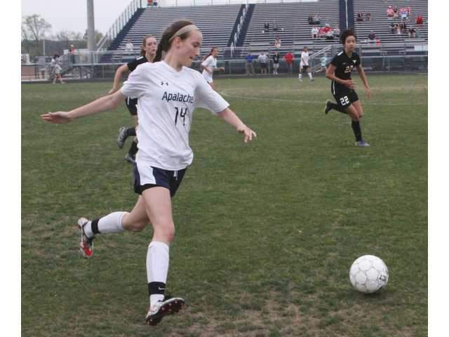Tullis hat trick not enough for Lady Wildcats in 4-3 loss to Lanier