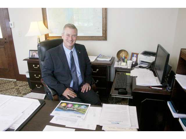 New Barrow County manager talks goals