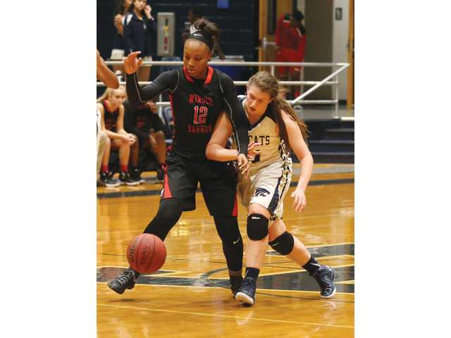 Lady Dogg Lexi Mattox commits to College of Charleston, but she is still focused on winning