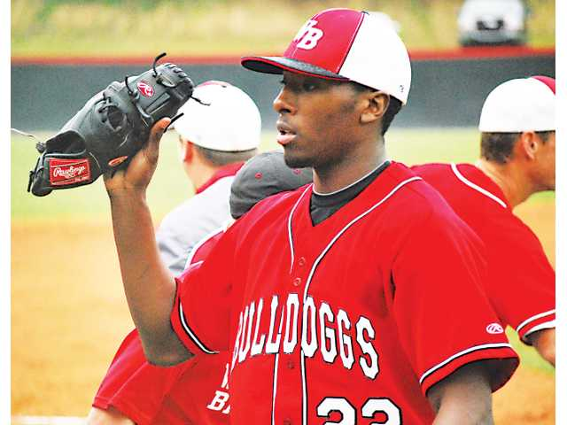 Braves acquire Winder-Barrow alum Travis Demeritte in trade with the Texas Rangers