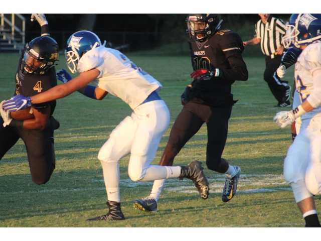 RH uses balanced air, ground attack for 35-13 win
