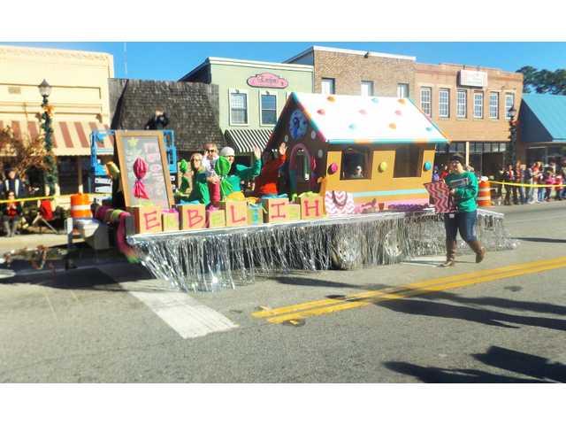 Pembroke hosts Christmas parade