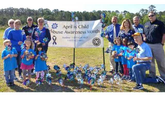 Exchange Club hosts Child Abuse and Child Neglect Awareness project