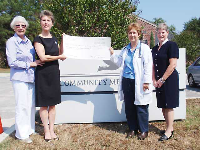 Lutheran women assist Community Medical Clinic of Kershaw County