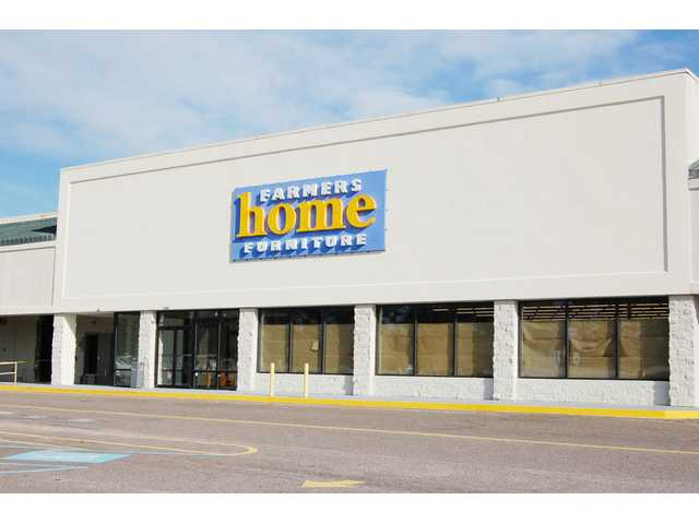 Farmers Home Furniture opening in Springdale Plaza