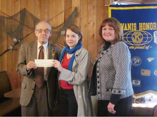 Camden Kiwanis Club makes donation to library