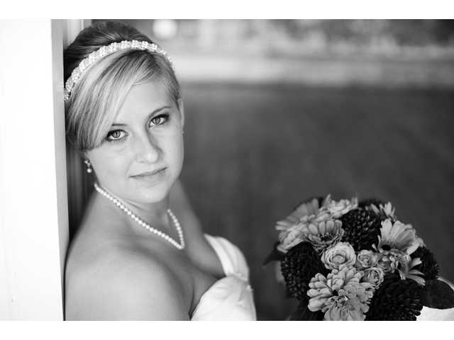 Miss May, Mr. Everhart wed