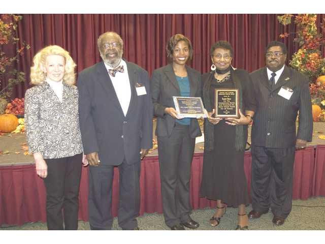 Mental Health Kershaw County presents  awards at annual membership meeting