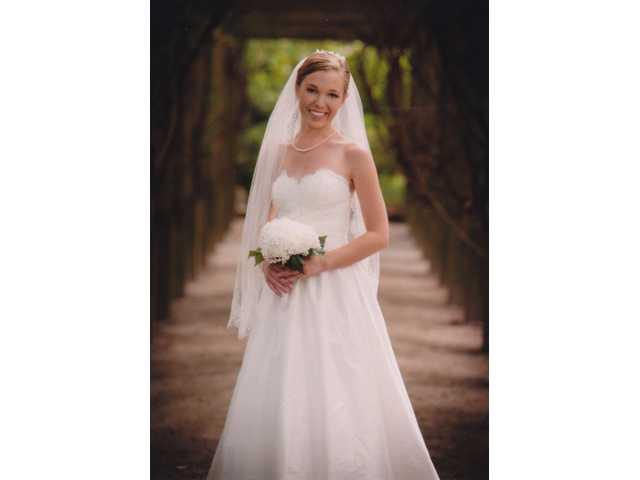 Miss Albertson, Mr. Culler exchange wedding vows