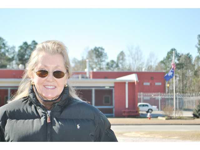 Camden's Donna Davis has found niche as bail bondsman