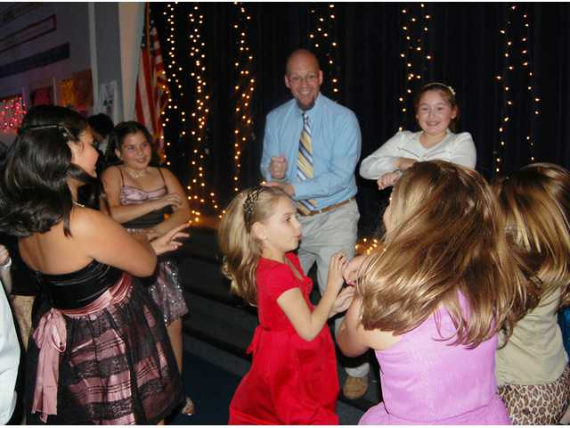 Daddy-Daughter dance fun at Wateree Elementary School