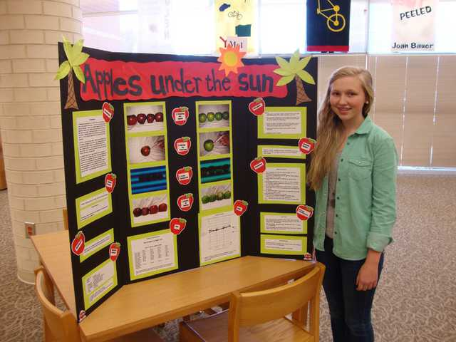 Lugoff-Elgin Middle School awards 8th grade science fair winners