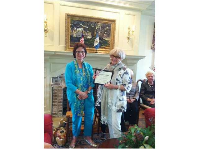 Davis receives DAR Good Citizen Award