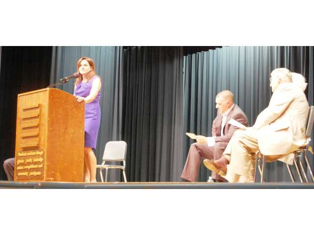 Lugoff-Elgin High School hosts legislative forum