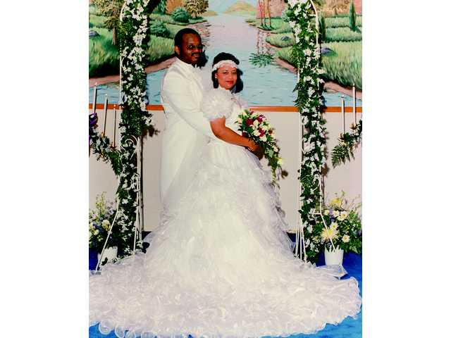 Mr. and Mrs. Leroy Dixon Jr. celebrate 20 years of marriage