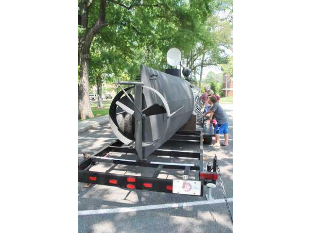 Hunley submarine replica returning to Camden