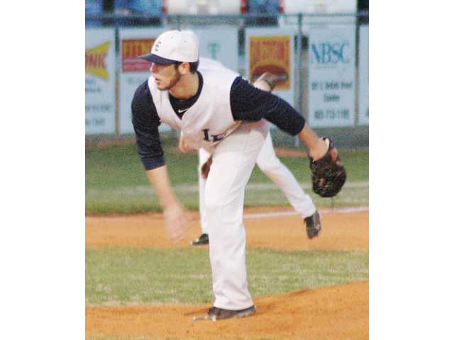 Demons stop Dogs in their tracks, 3-2