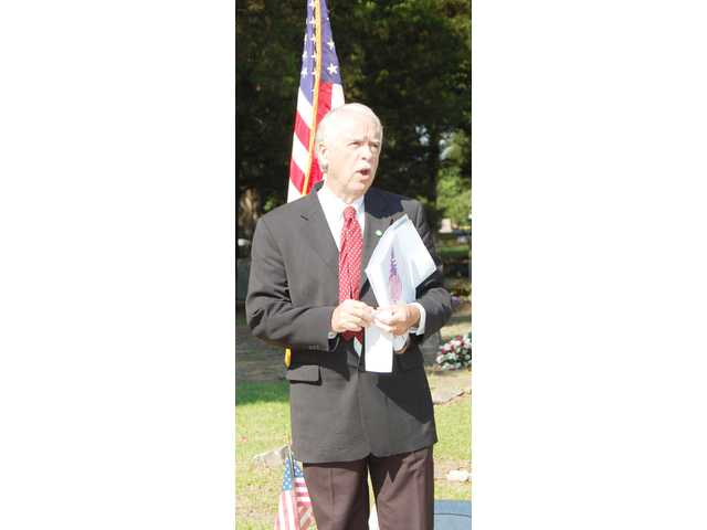 Camden honors fallen vets at Cedar Cemetery