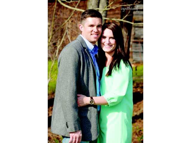Lauren Jennifer Warnock, Trenton Lee Henderson announce engagement