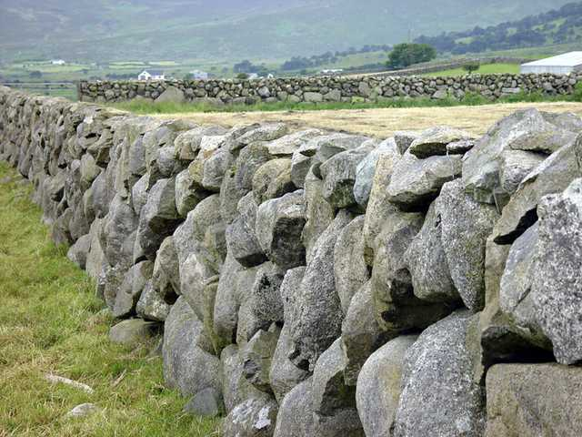 The role of rocks in the Gaelic nations