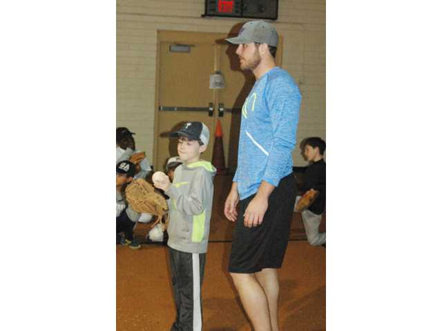 One-day baseball camp features Rays' pitcher Kohn