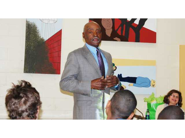 Fryar, master topiary artist, inspires CLC students