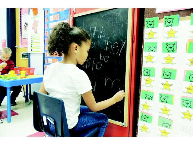 Wateree students have fun with literacy