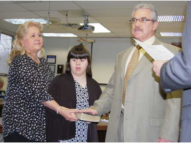 New school board trustees sworn in